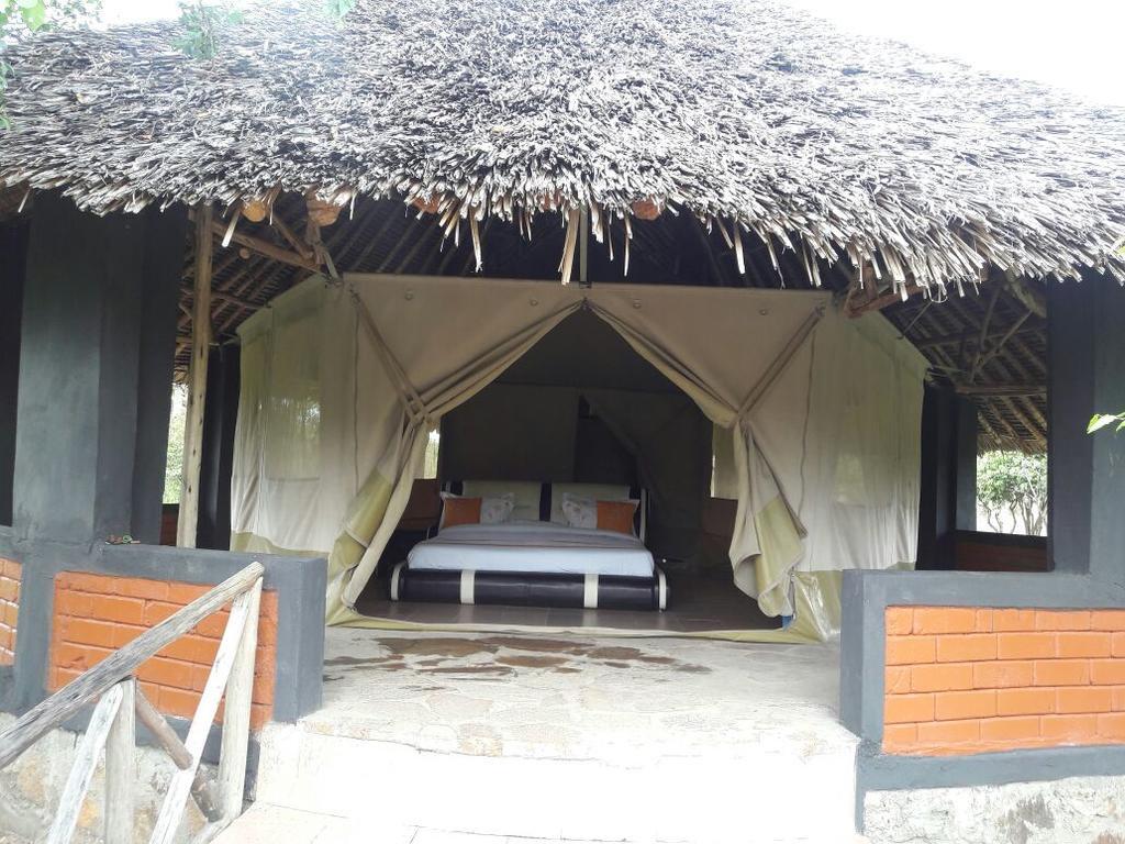 Enkewa Camp Maasai Mara2020